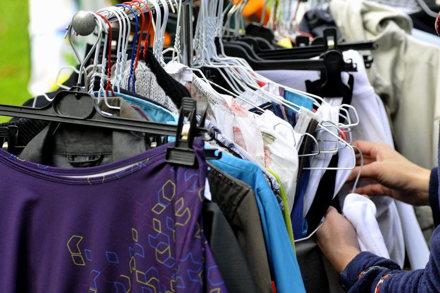 9a29e08b5 Calle Bandera: Precios Irrisorios de ropa en pleno centro de Santiago de  chile