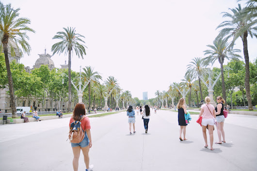 Barcelona 004 / Take only memories, leave only footprints | Paradigm Kiss