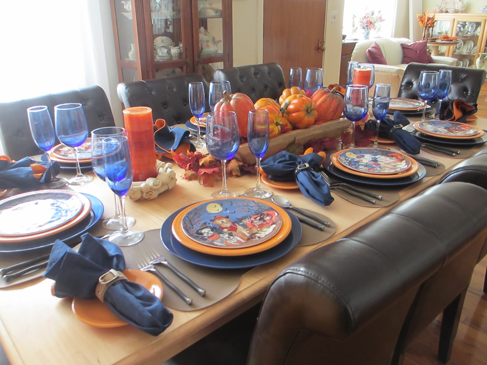 The Welcomed Guest Halloween And Dogs Table