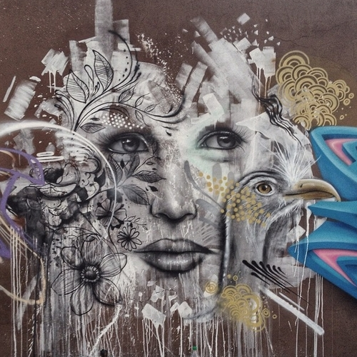 03-Aqi Luciano-Street-Art-Paintings-with-Expressions-that-Talk-www-designstack-co
