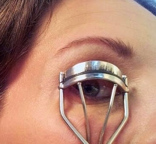 How to get Longer Lashes with a Lash Curler