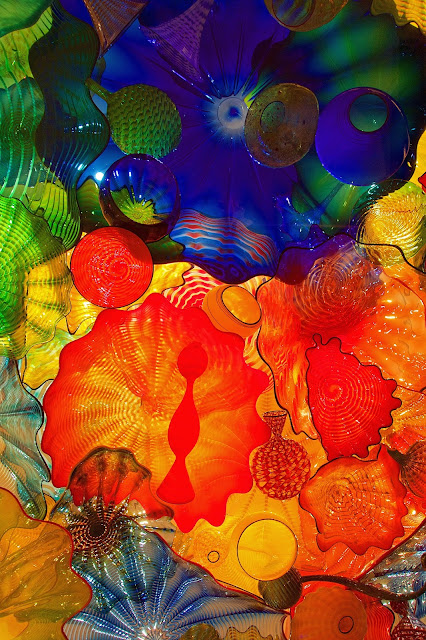 Chihuly Garden and Glass - Seattle, WA - do NOT miss this on your trip to Seattle. The most AMAZING art exhibit I've ever seen. The photographs don't do it justice. I could have spent the entire day here.