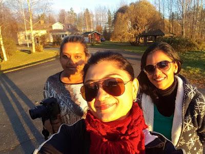 london girls traveling