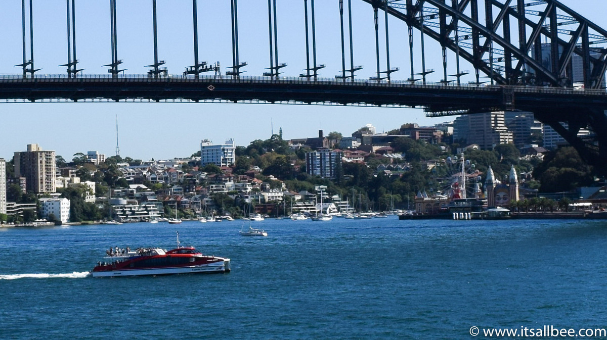 Guide to things to do in Sydney, from markets, best viewpoints, day trips from Sydney and places to eat as well as best beaches like Bondi which is an absolute must see. #australia #sydney #adventure #harbour #bondi
