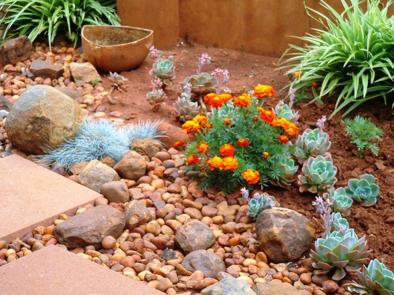 Gardening in Africa: (Not so!) Easy and relaxed gardening