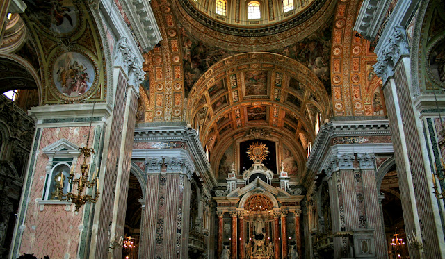 Gesù Nuovo, chiesa, volte chiesa, affreschi, monumenti