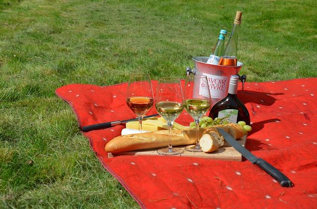 typowy zestaw piknikowy