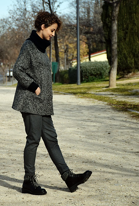 Outfit-Sudadera-Gris-shein-4