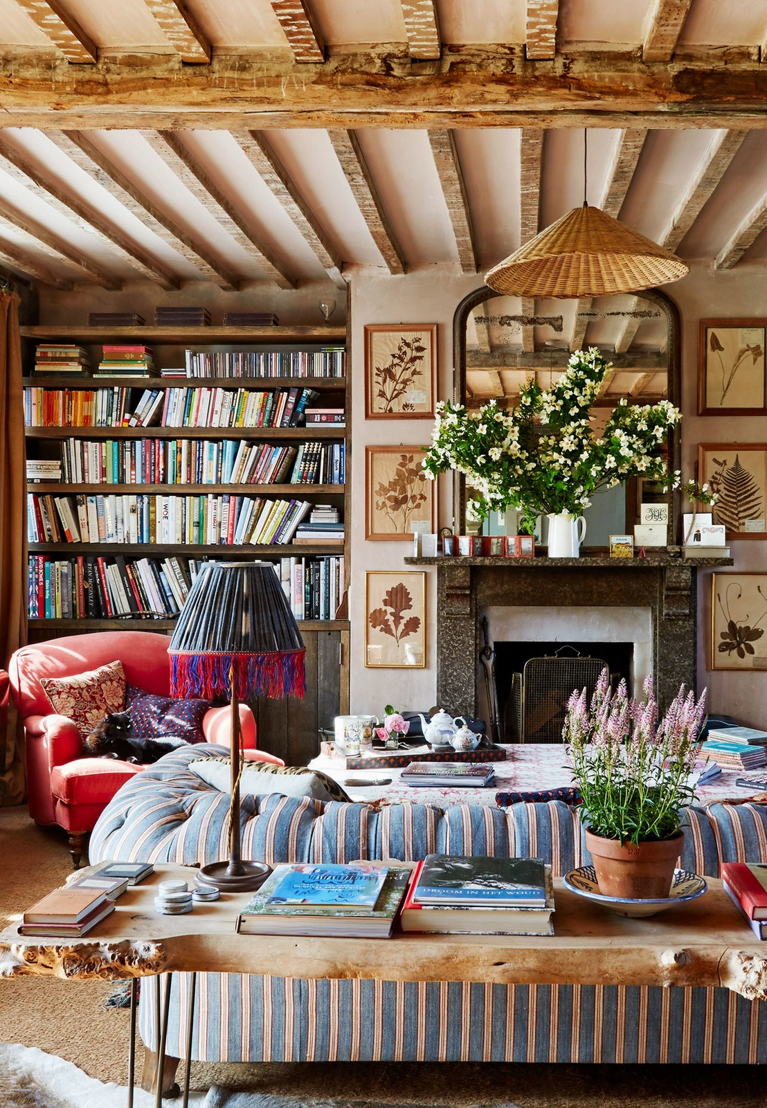 D cor inspiration dreamy english country home by amanda for Home decorations sale