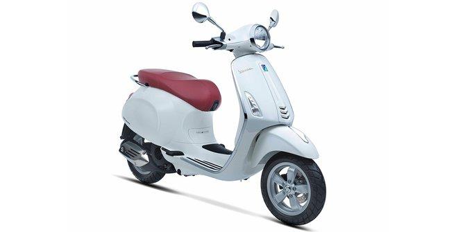 gambar motor klasik terbaru merk Vespa Primavera