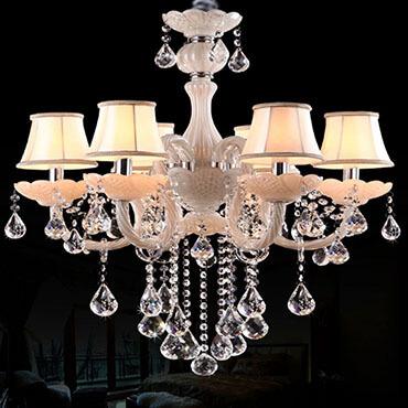 Bộ sưu tập 3 mẫu đèn chùm trang trí phòng khách sang trọng độc đáo