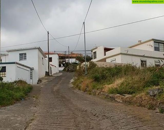 El Ayuntamiento de Puntallana comienza los trabajos previos al asfaltado de Lomo Los Lirios en el barrio de El Granel