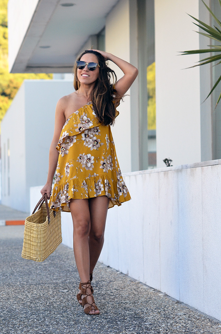 Streetstyle - wearing flower one shoulder pattern dress from zaful and zara lace up sandals