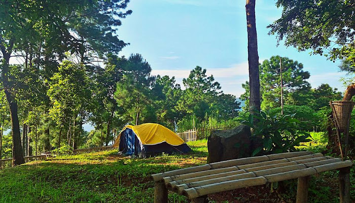 Campsites near Umiam, Shillong | tents, sleeping bags, night-lamps and utilities