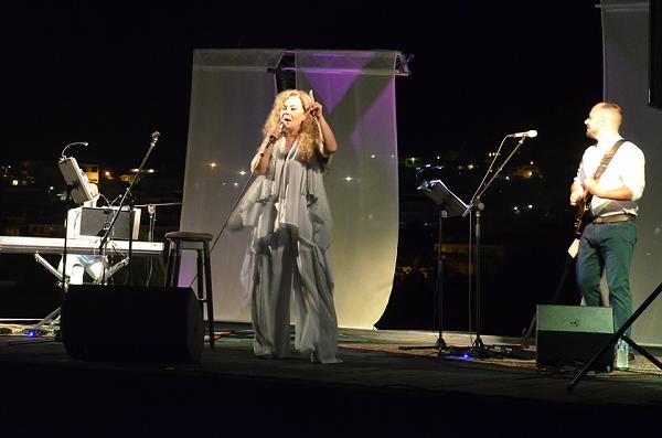 Σαγήνεψε το κοινό του Ναυπλίου με τη φωνή της η Ελένη Δήμου