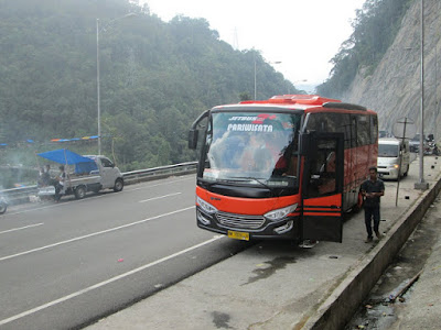 medium bus pariwisata pekanbaru riau_ 8h