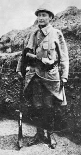 Marie Marvingt de soldado durante la Primera Guerra Mundial