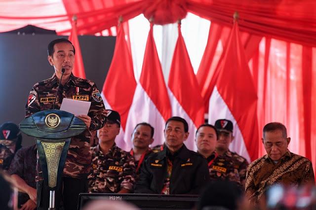 Kata Jokowi: Mengumpulkan Massa dan Orasi Tidak Cukup, Bela Negara Harus Kerja Nyata