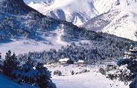 Климат Андорры умеренный, со снежной холодной зимой и прохладным сухим летом.