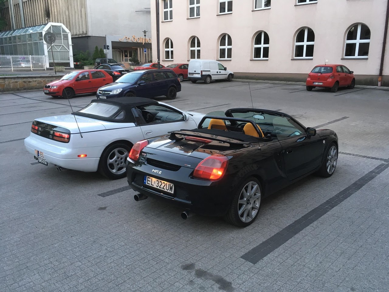 Nissan 300ZX Z32 kabriolet, Toyota MR2 turbo