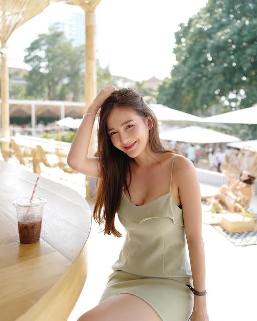 Rossarin Klinhom - Bao nhiêu lớp áo sao bằng love em