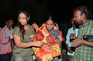 Actress Sri reddy (apthatrust director) Distrubuted Blankets for Orphans at Sai Baba Temple  0048.JPG