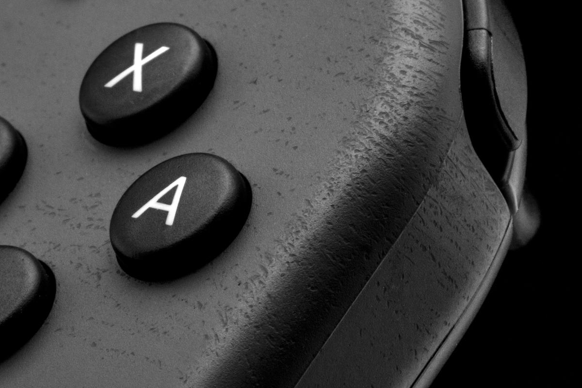 Nintendo Switch no aguanta pegatinas para decorar (skins), acaba destrozada