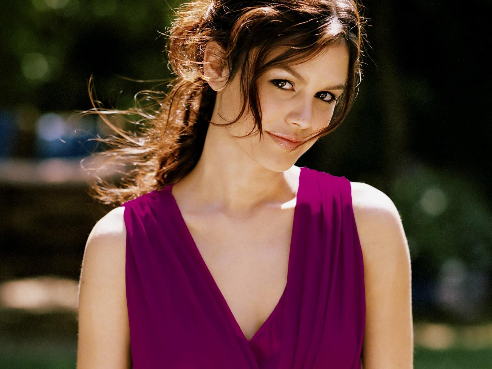 Rachel bilson pictures wallpapers hollywood actress - Celeb wallpapers ...