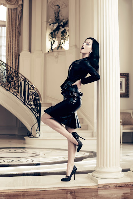 Katy Perry's Hot Legs
