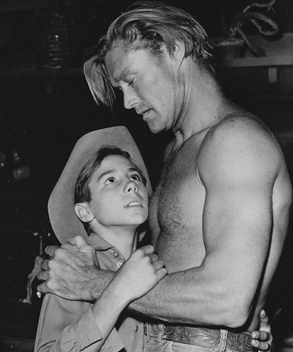 from Malakai chuck connors is gay
