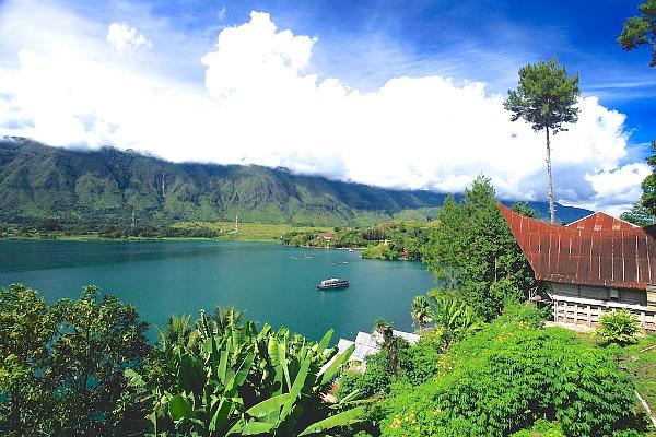 Danau Toba, Danau Indah Dengan Luas Lebih dari Singapura