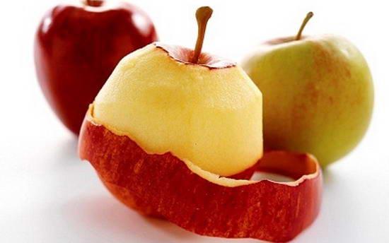 Có nên gọt vỏ trái cây khi ăn?