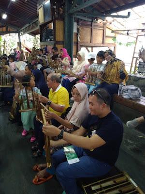 Saung Angklung Udjo Bandung