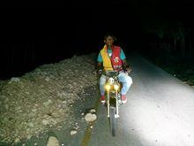 Motoconchos de La Guázara piden tapar zanja en medio de la carretera La Guázara-Barahona