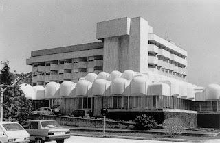 Galenos, clínicas y boticas del Viejo Pamplona (1900-1975