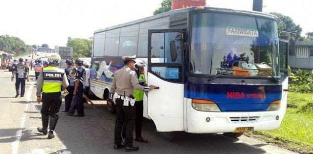 326600_08300619052019_razia-bus