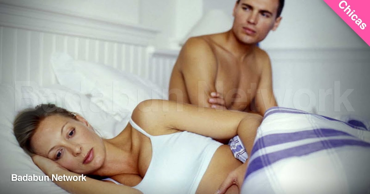 chica relacion pareja hacer novio cama