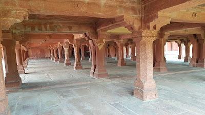 dentro il Fatehpur Sikri Fort