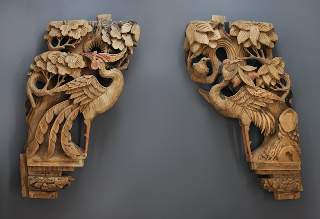 On Ornamental Wings: Qing Dynasty Wooden Corbels