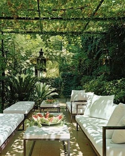 "image via Paloma81 - collected by linenandlavender.net for ""Alfresco-Outdoor Living"" -  http://www.linenandlavender.net/2014/04/inspiration-file-outdoor-living.html"