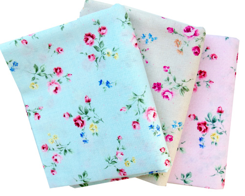 Rose Toss - Flower Fields collection for Lecien Fabrics | © Red Pepper Quilts 2018