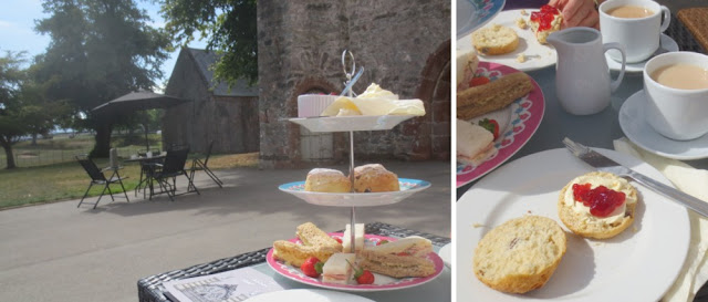 Cream Tea in Torquay, Devon - Torre Abbey, Scones mit Clotted Cream