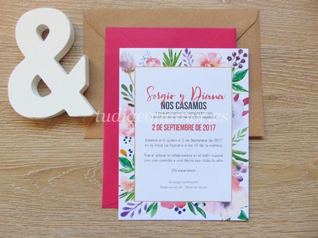 Un diseño perfecto para bodas de primavera, invitación con flores en tonos vivos