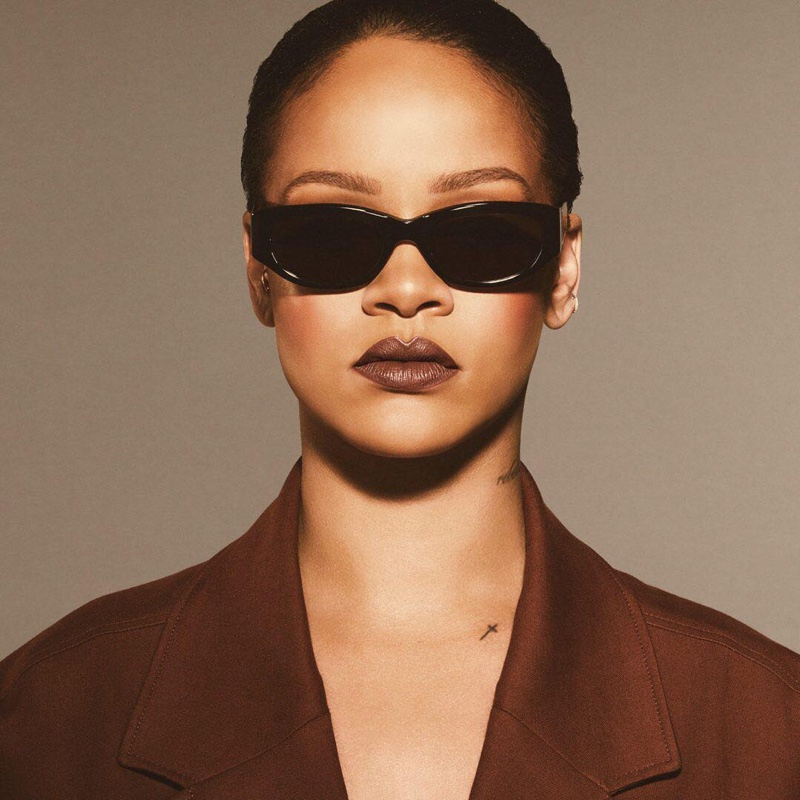 Rihanna wears Fenty Beauty Stunna Lip Paint in Unveil