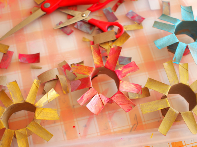 Cardboard Roll Flower Bouquet- Great Recycled Craft for kids