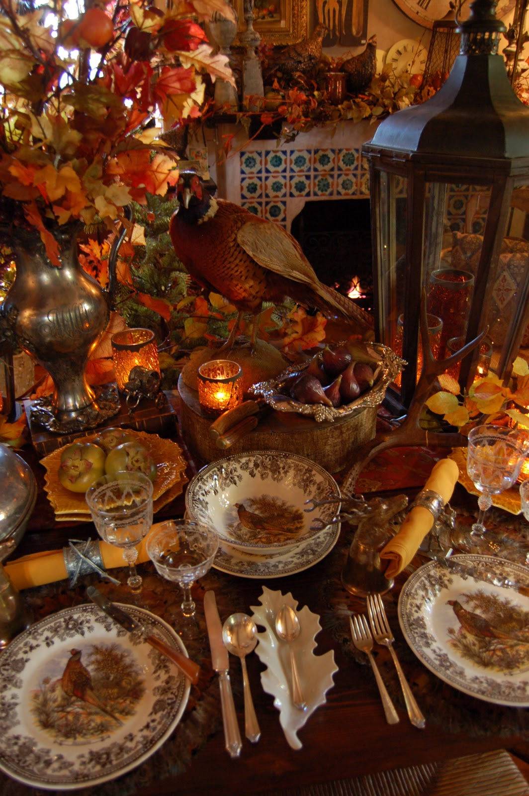 Today 39 s treasure by jen festive hunt table and photo shoot - Thanksgiving table decorating ideas ...