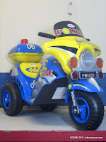2 DoesToys DT9983 Police Battery Toy Motorcycle in Blue