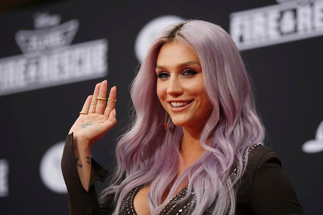 """Kesha le habla a los haters: """"No me quedaré callada ni me esconderé""""."""