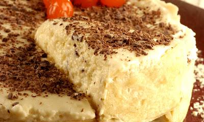 Receita de Torta de chocolate branco com maracujá