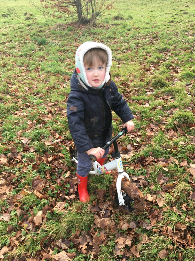 Our-Weekly-Journal-Days-Out-and-Minecraft-boy-on-bike-with-wheels-covered-in-mud